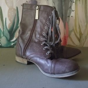 Lace up boots combat style shoes